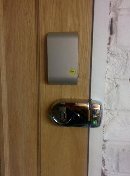 Keyless Smartlock fitted - internal view