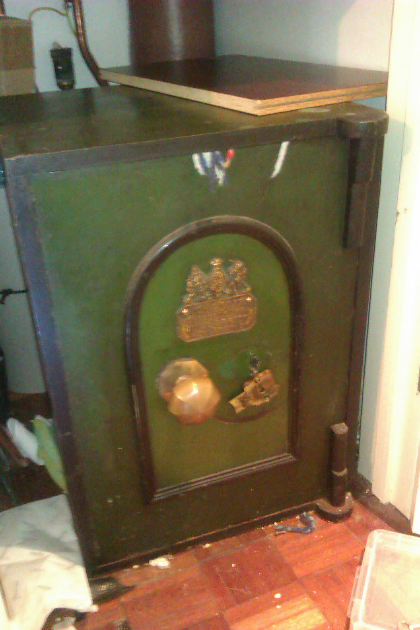 Old Victorian Safe to open