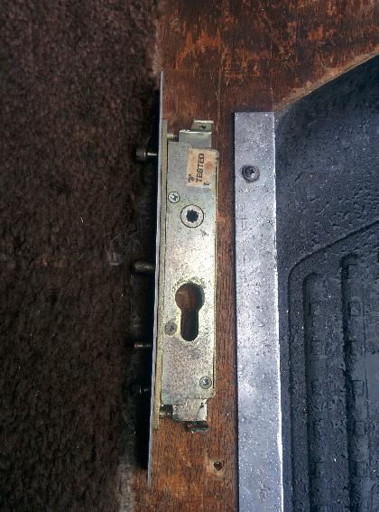 Sliding Patio Door lock - old & broken